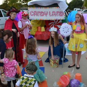 img_children_trunk-treat.jpg
