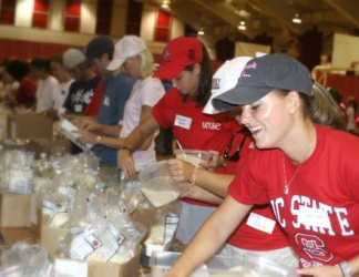 img_mission_stop-hunger-baggers.jpg